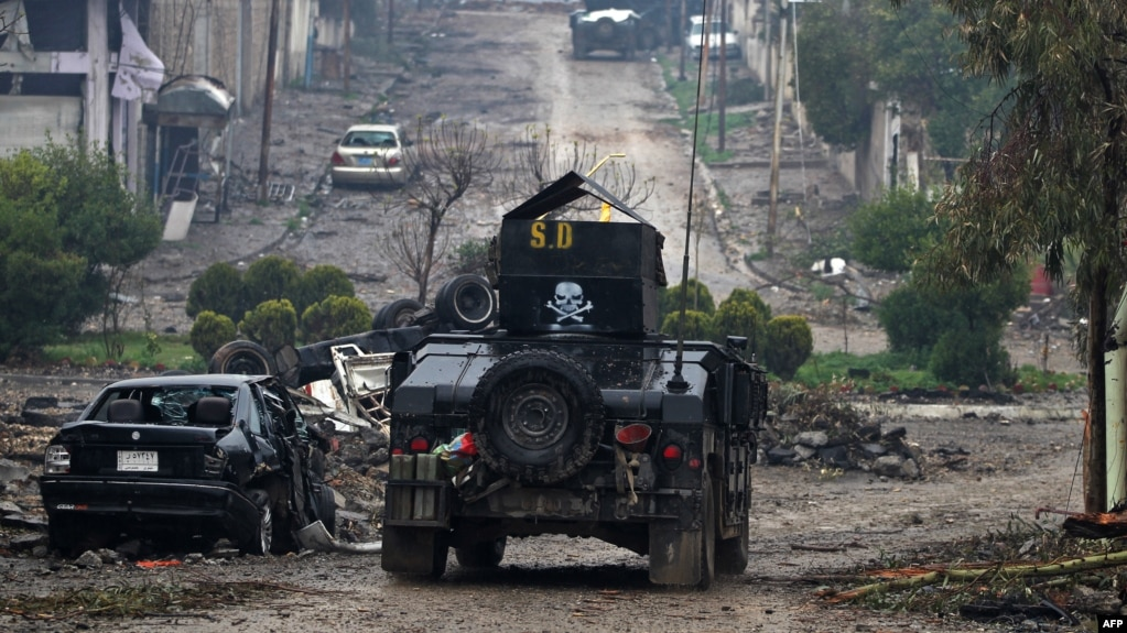 Military vehicles in Mosul belonging to the anti-terrorist forces